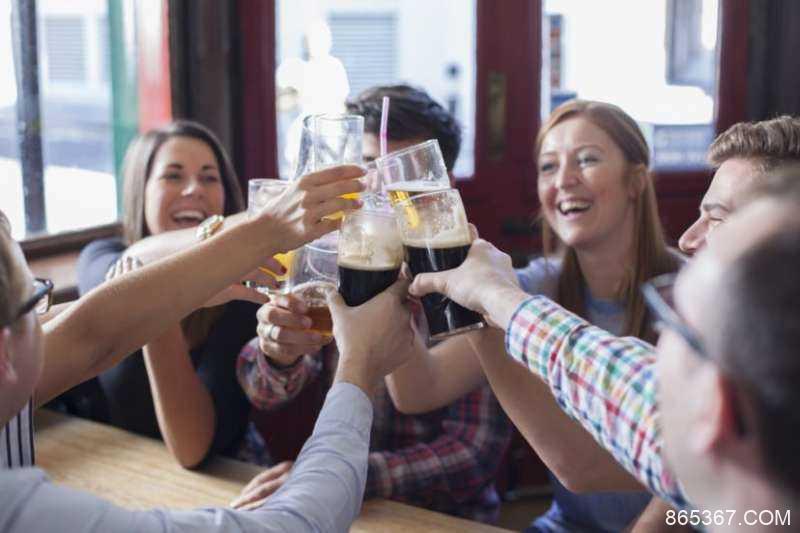 喝酒后说英语会更流利吗 科学家公开喝酒后英语会变好实验结果