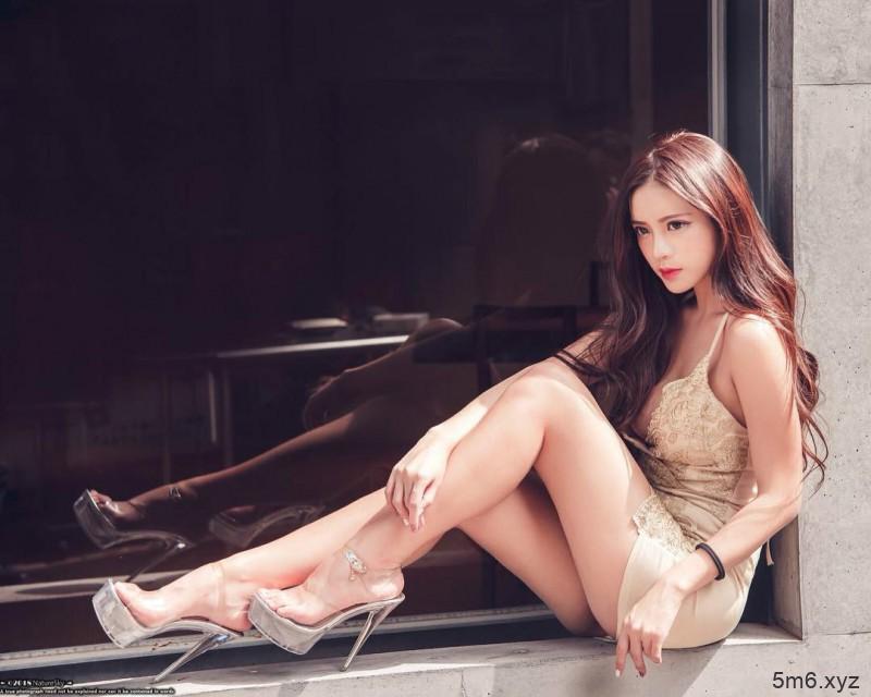 台湾女神正妹Vivi 性感身材凸后翘大长腿吸睛
