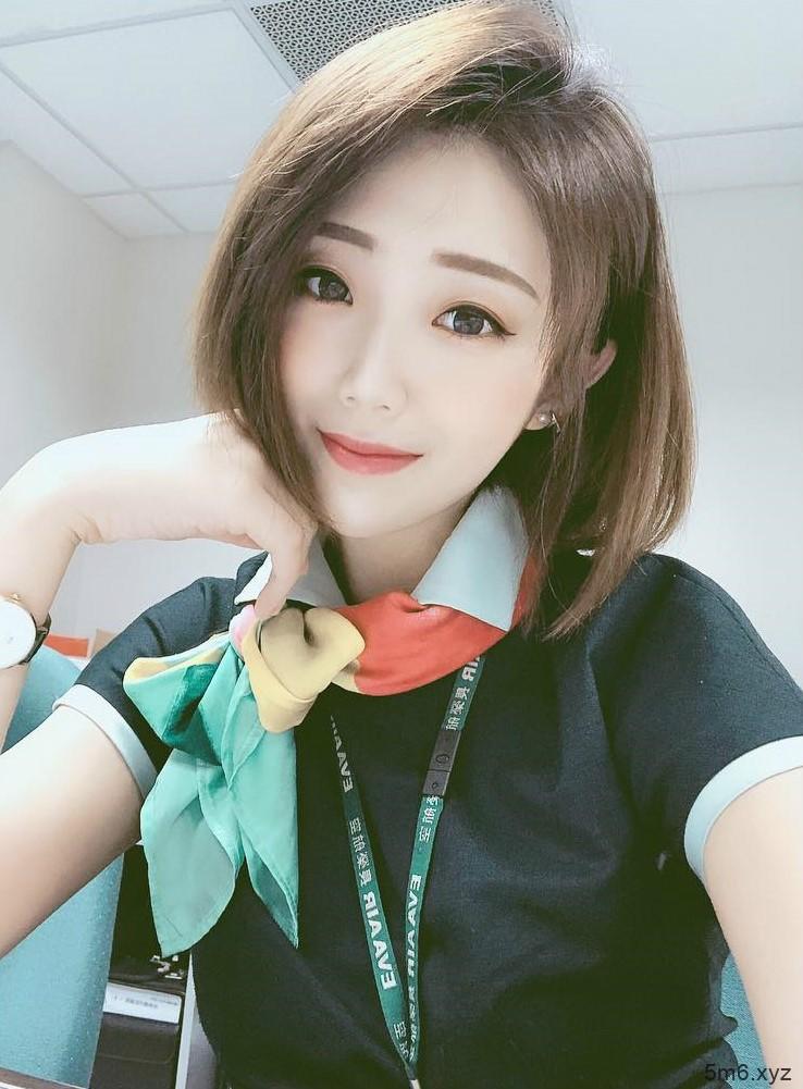 长荣空姐正妹Chiaro Chen 比基尼美女阿C短发气质迷人