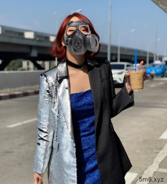 泰国Playboy性感女郎盈雅叶 用胸罩代替口罩抵抗雾霾