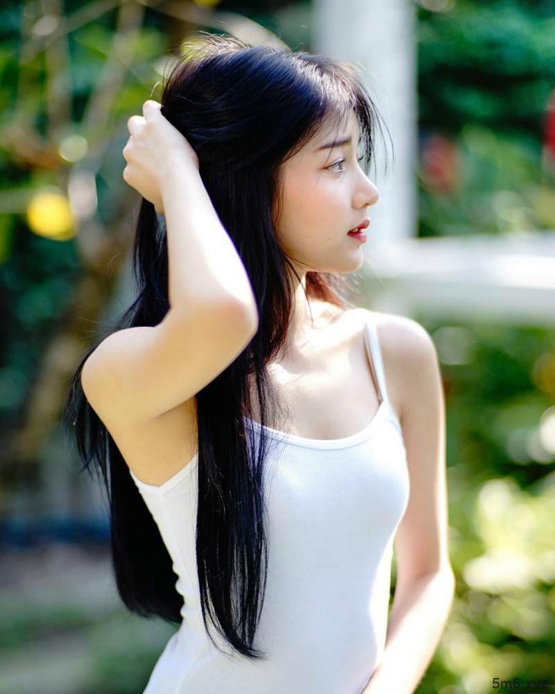 泰国街拍正妹气质迷人 甜美美眉泰正点