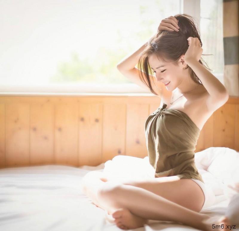 香港大长腿正妹Rain Cheng郑子涵 模特身材气质迷人