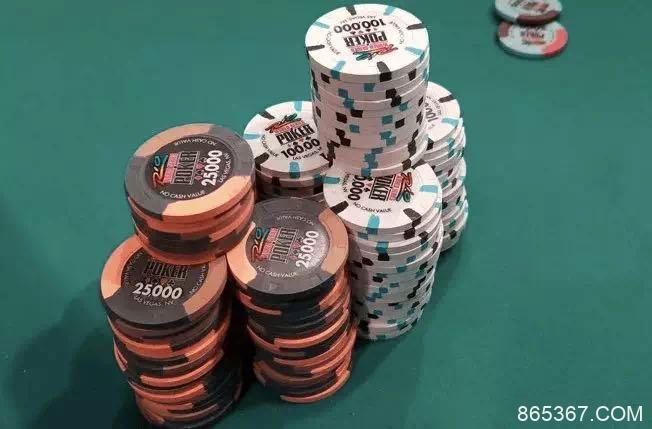 利用这8个剥削性的策略,征服现场德州扑克!(2)