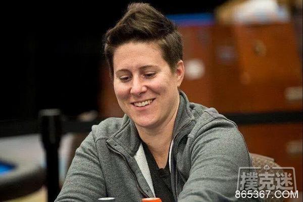 女鲨鱼Vanessa Selbst在WPT湾景扑克赛DAY1中强势晋级