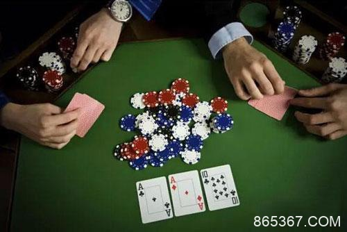 帮助你制胜深筹码扑克的技巧与调整