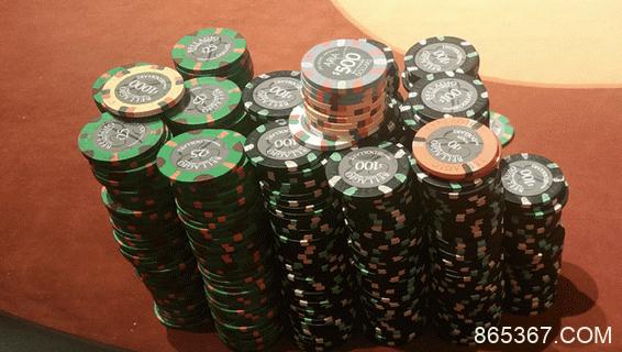 利用这8个久经考验的策略征服现场扑克