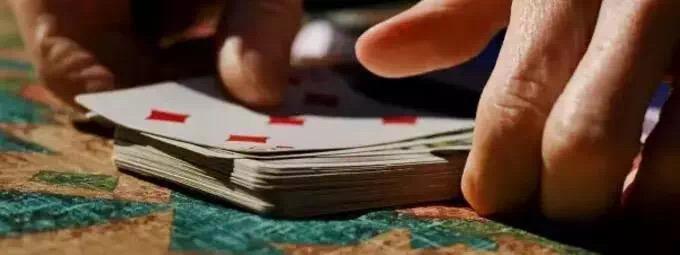 """德州扑克""""读人""""技巧大全,收好不谢!"""