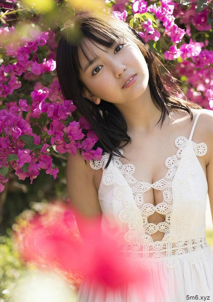 15岁性感美少女泽口爱华(沢口爱华) 比基尼秀F奶令人想犯规