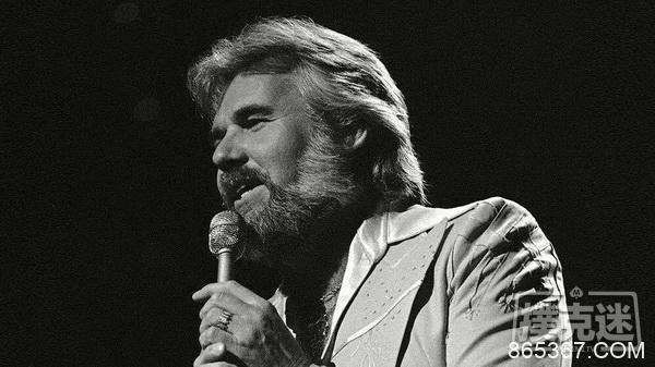 《赌徒》演唱者Kenny Rogers去世,享年81岁