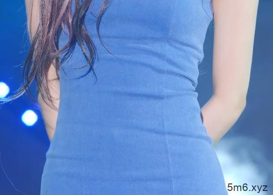 러블리즈(Lovelyz)아츄蓝色包臀裙性感饭拍