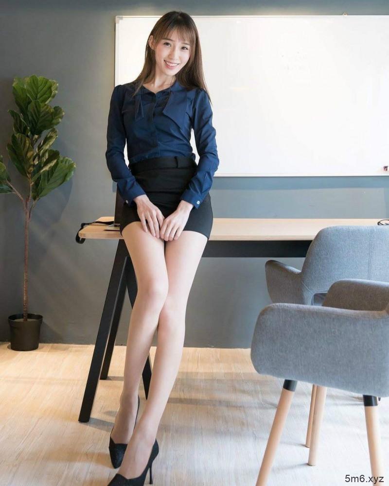 护理师正妹玟玟 短裙秀性感大长腿