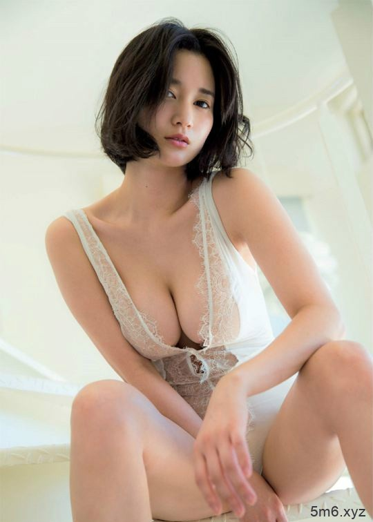 巨乳记者出口亚梨沙 突破极限裸露G奶撩人情欲