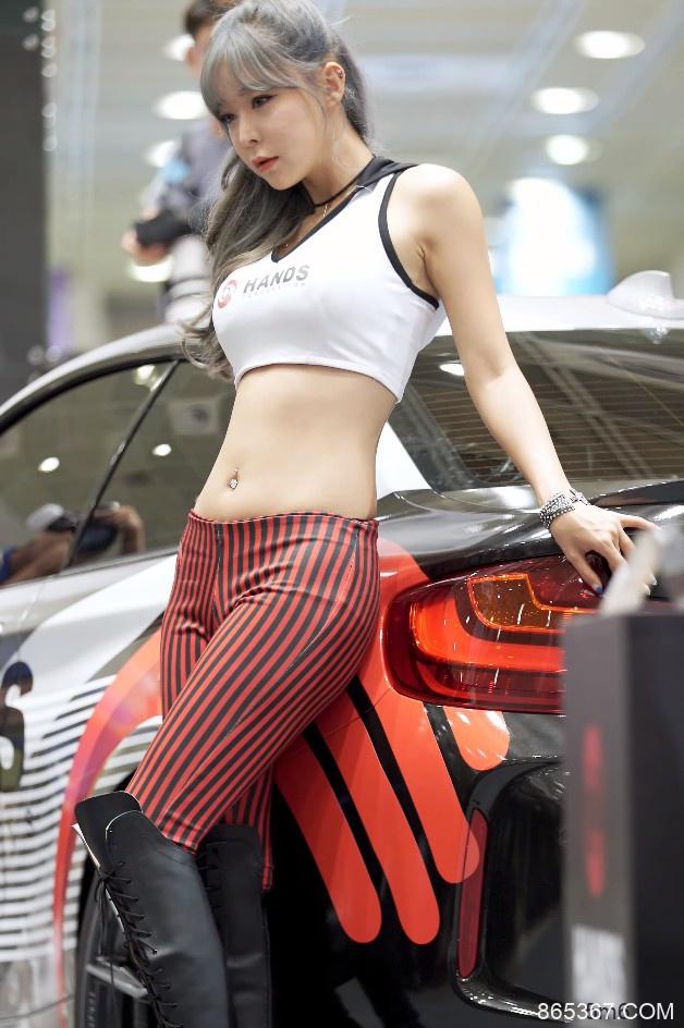 韩国性感女模Han Soul车展直拍20200402