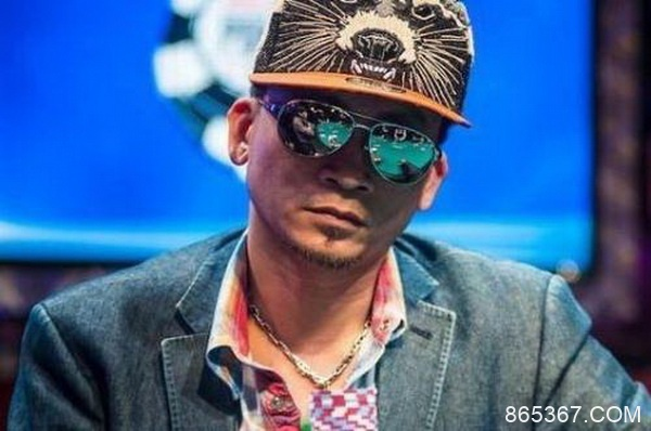 德州扑克Qui Nguyen为什么敢用一对4做4bet全压?