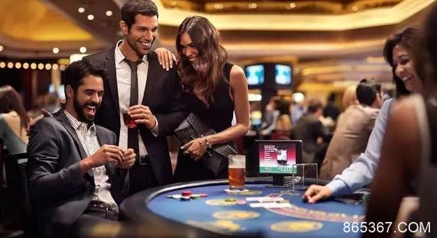 德州扑克没主动权的多人底池怎么玩(一)