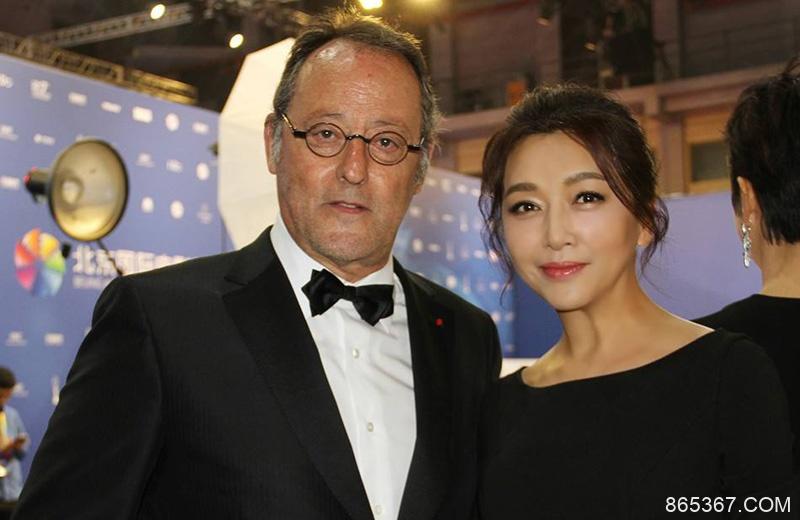 演员江珊在《跨界歌王》一展歌喉,魅力不减当年