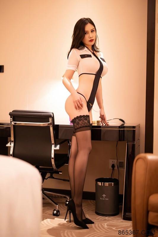 美乳娇娃周思乔胸部超大 情趣内衣令人垂涎欲滴!