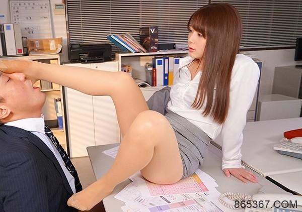 IPX-274:榨干最后一滴!迷你型美少女,岬奈奈美12种角色扮演绝对满足你的日常幻想!