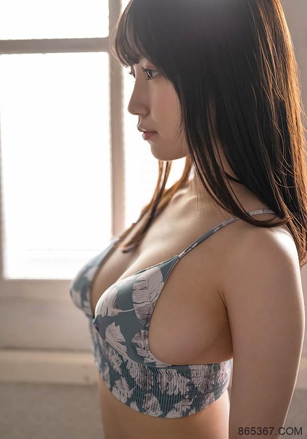 "SOD史上最小只新人!147公分G奶正妹""朝田ひまり"",舔一下就有猛烈反应!"