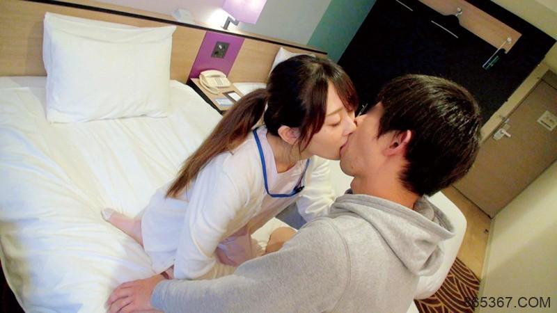 """自毁封印复出再战〜美女大学生""""土屋美桜""""在男优身上又动又摇了!"""