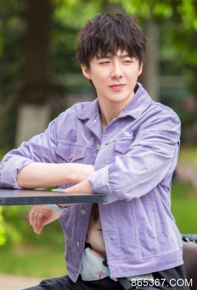 《我们的师父》刘宇宁表现亮眼,携大张伟兄弟团登上YY直播平台