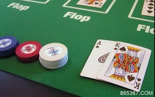 德州扑克常规桌牌谱分析:每天我都在不停的开火