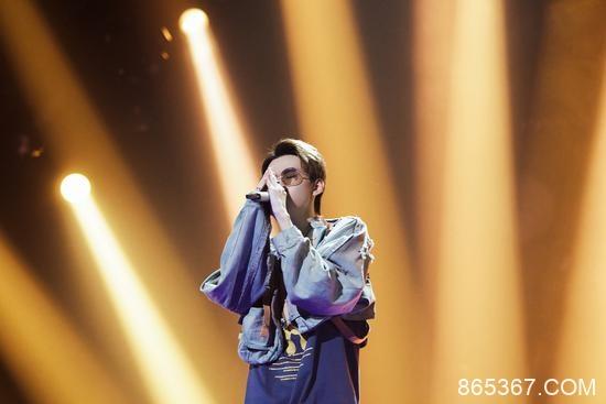 《我是唱作人2》热播 音乐人刘思鉴尝试音乐革新