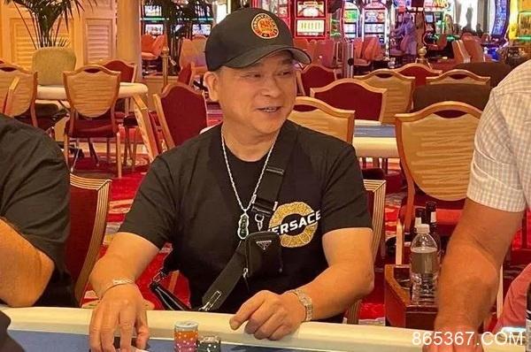 Johnny Chan重回赛场或将与Phil Hellmuth进行一场单挑