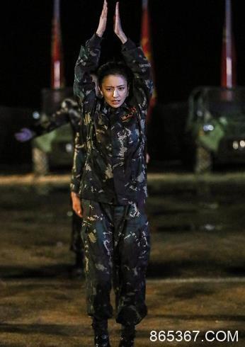 《真男2》收官佟丽娅泪别军营 暖心女战士前行更坚定