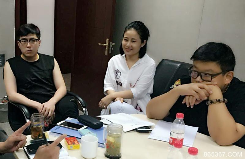白鸽与刘亮离婚后首登台,参加综艺节目录制,勇敢打头阵